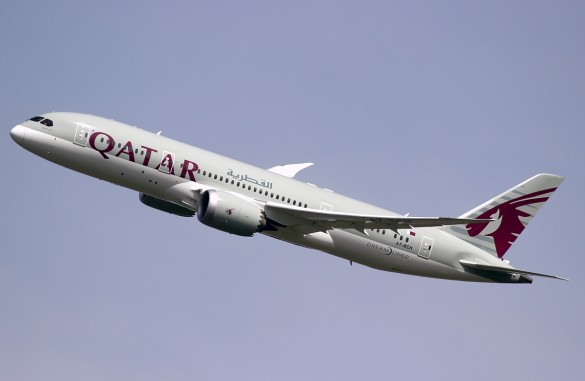Qatar-Airways-Boeing-787-8-Dreamliner
