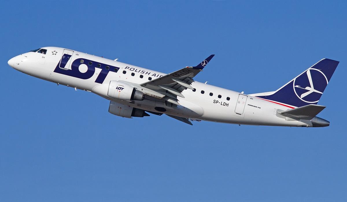 Avion LOT Polish Airways