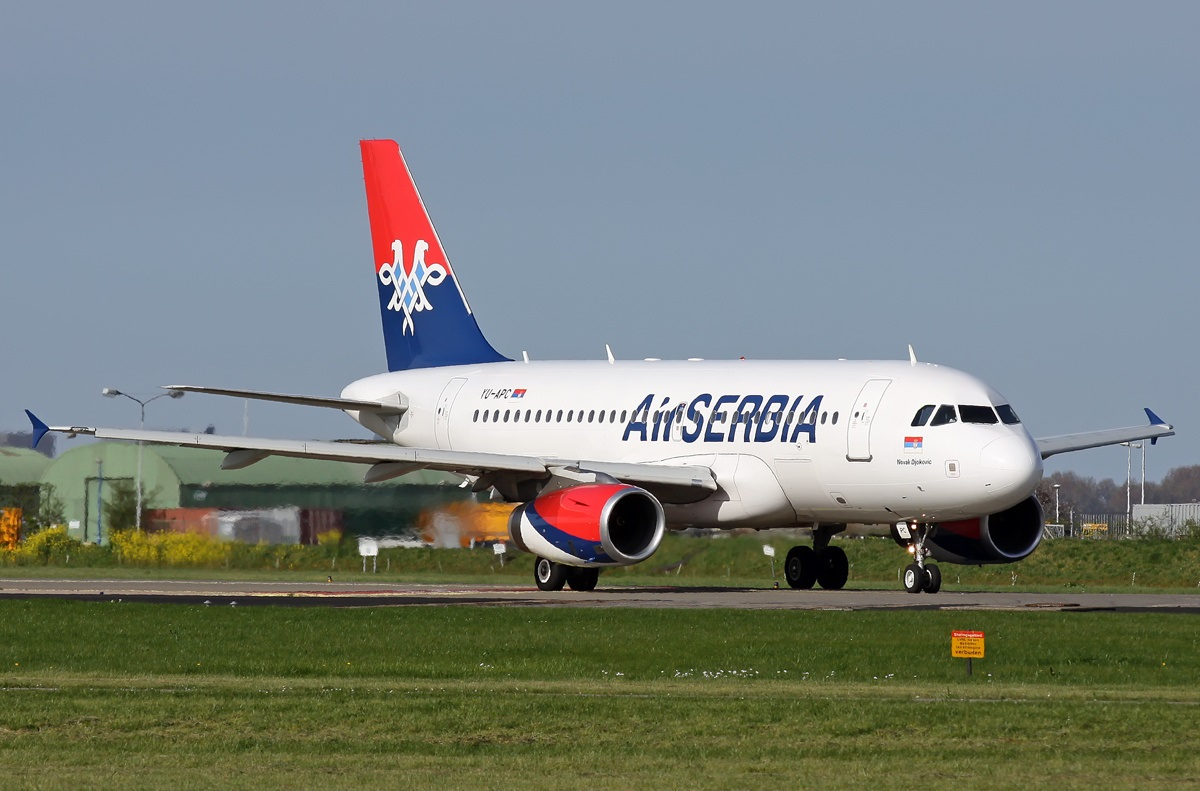 Avion avio kompanija Air Serbia