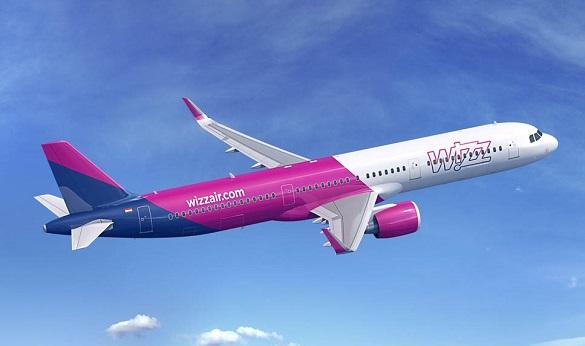 Low cost avio kompanija Wizz Air avion Airbus A321