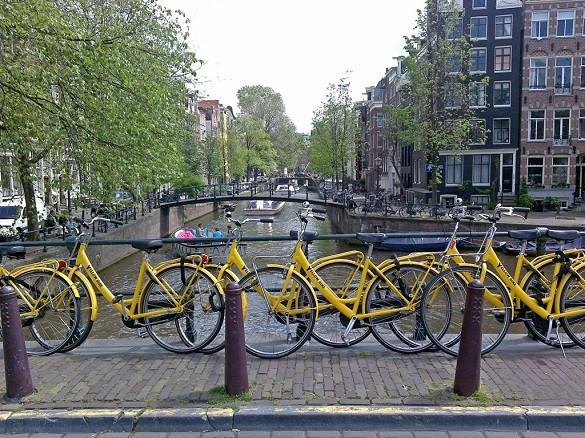 Venecija severne Evrope Amsterdam bicikl