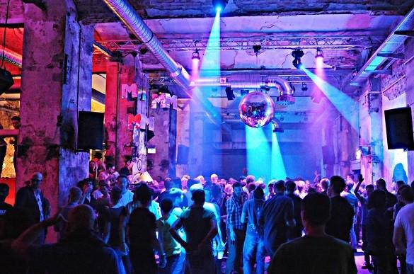 Berlin Grad neprestanih zurki i nezaustavljive kulture klub