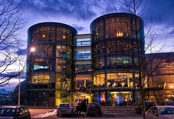Salzburg grad šaljivih fontana muzike i kulture