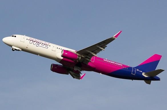 Pozivamo naše najmladje putnike da upoznaju pilota i kokpit Wizz Air aviona