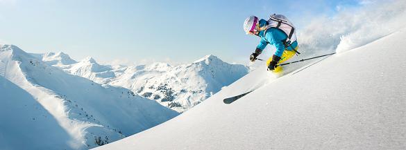 Osetite duha Alpa skijajući u Livinju
