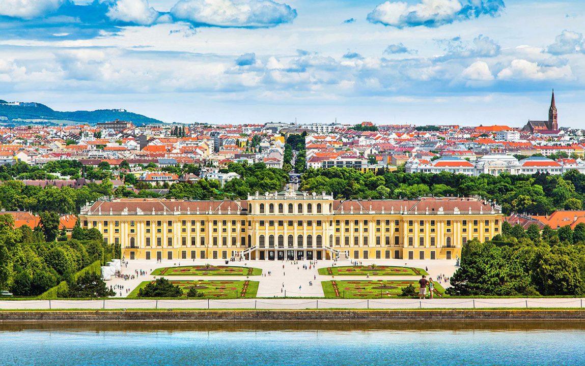 Austrian Airlines privremeno obustavio letove iz Podgorice