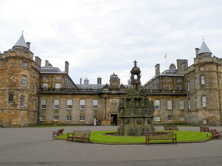 Edinburg – grad sitnih sati