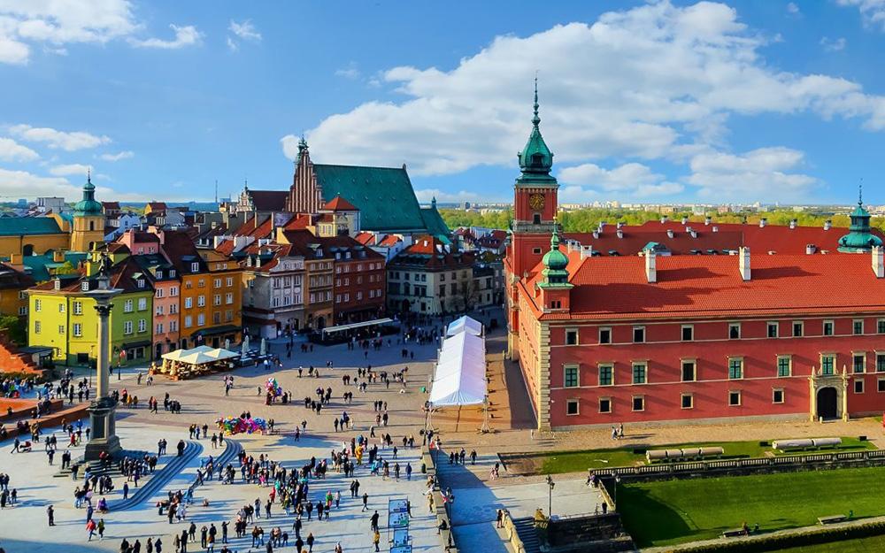 LOT prinuđen da obustavi letove između Varšave i Beograda