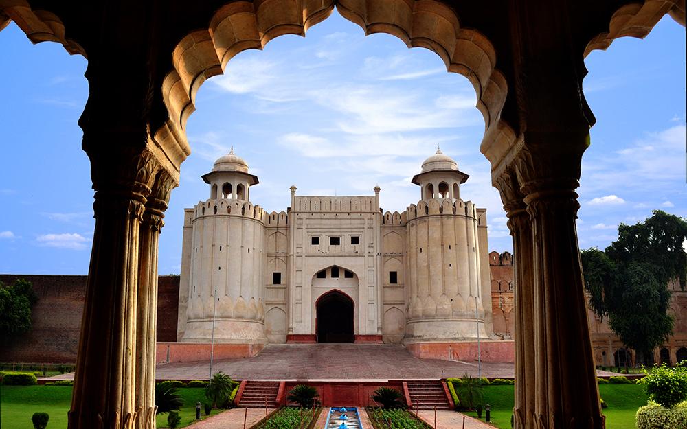 Qatar Airways - 48 sati promotivnih cena za kupovinu online avgust 2018 Lahore Fort