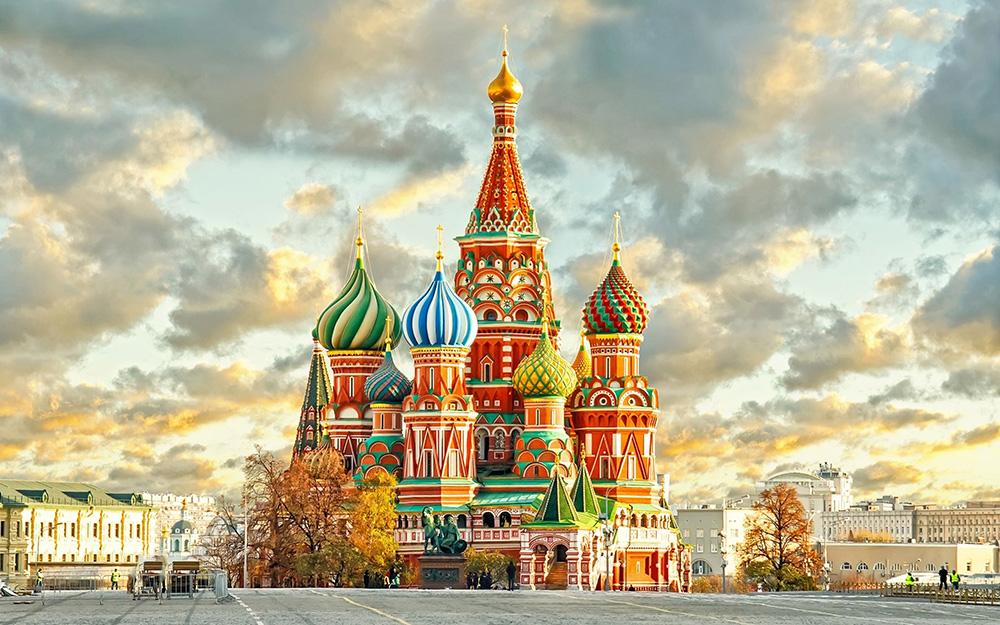 Red Wings - Pokreće letove za Moskvu