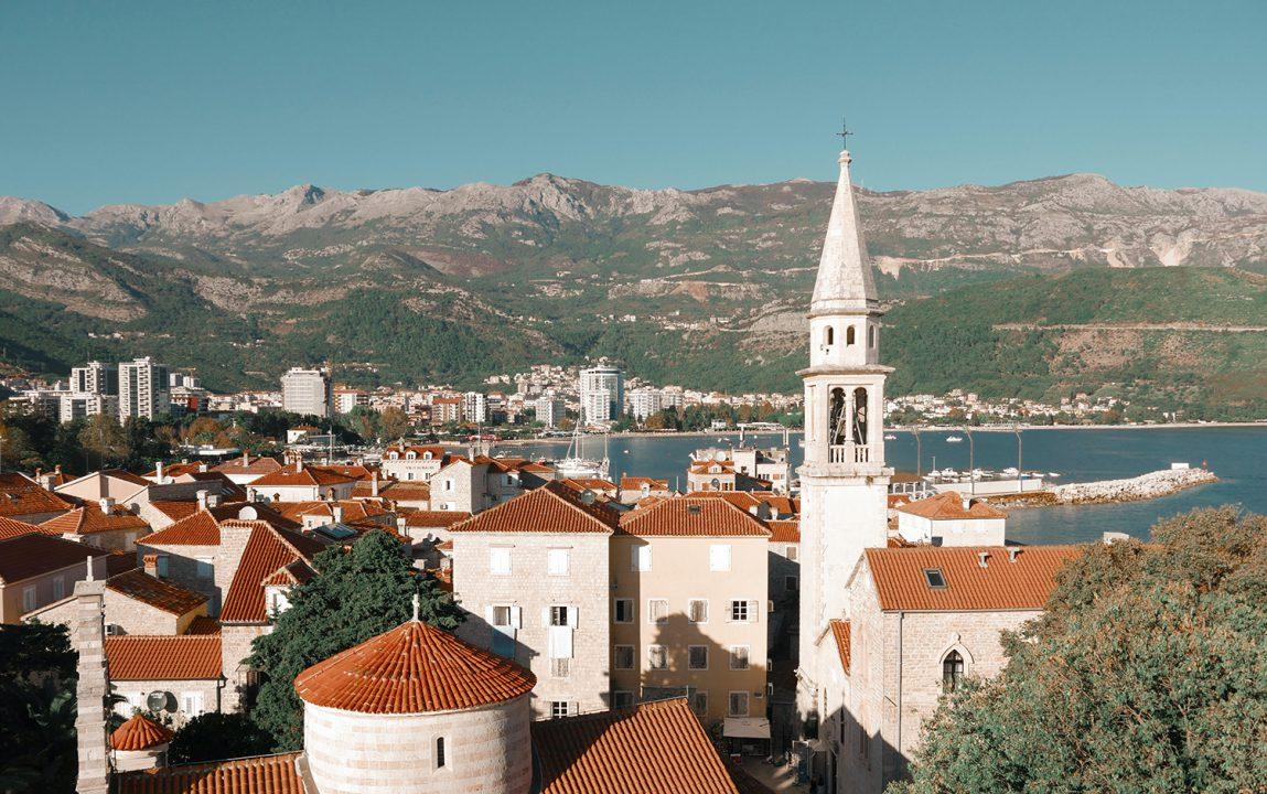 U Crnu Goru uskoro bez obaveznog testiranja